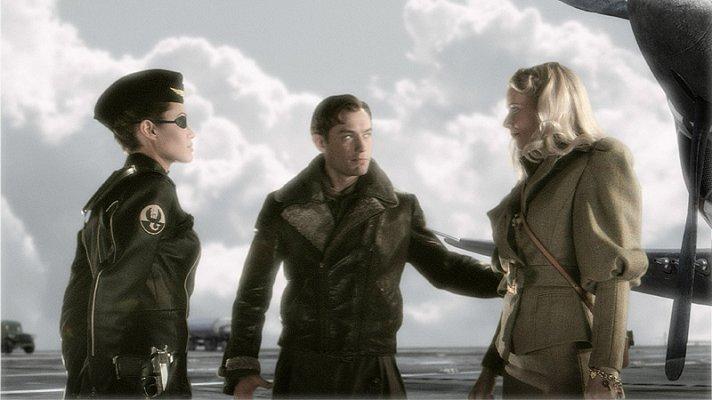 Sky Captain torn between two women